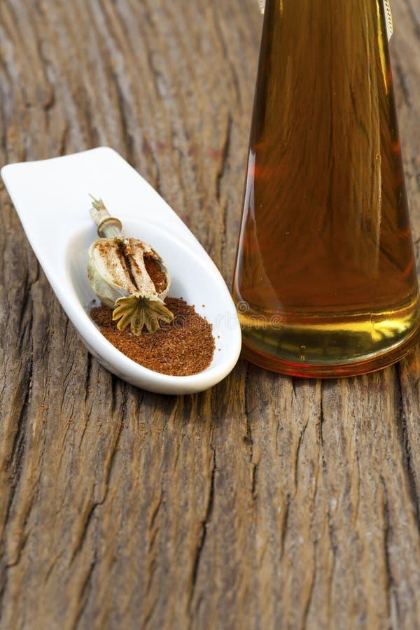 Масло макового семенени стоковые изображения