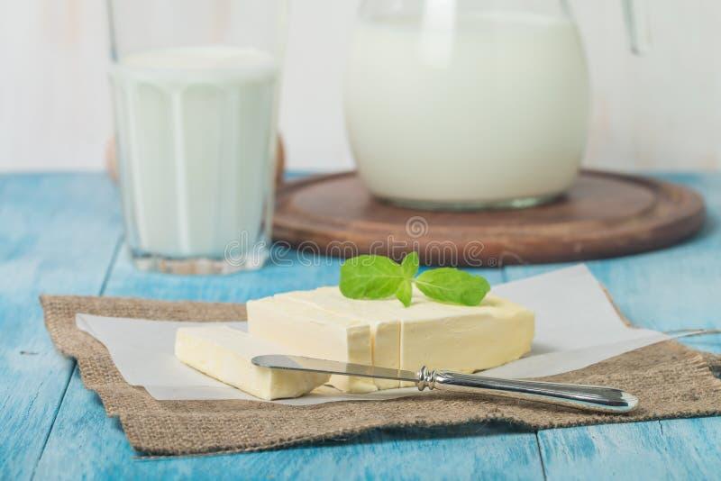 Масло на листе бумаги стоковое фото