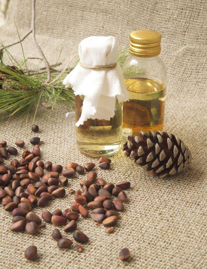 Масло древесины кедра стоковое фото rf