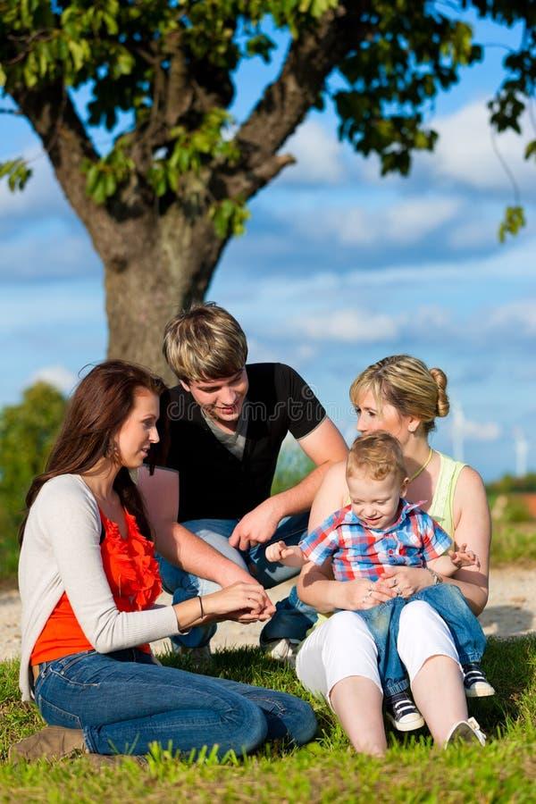 мать бабушки отца семьи детей стоковая фотография rf