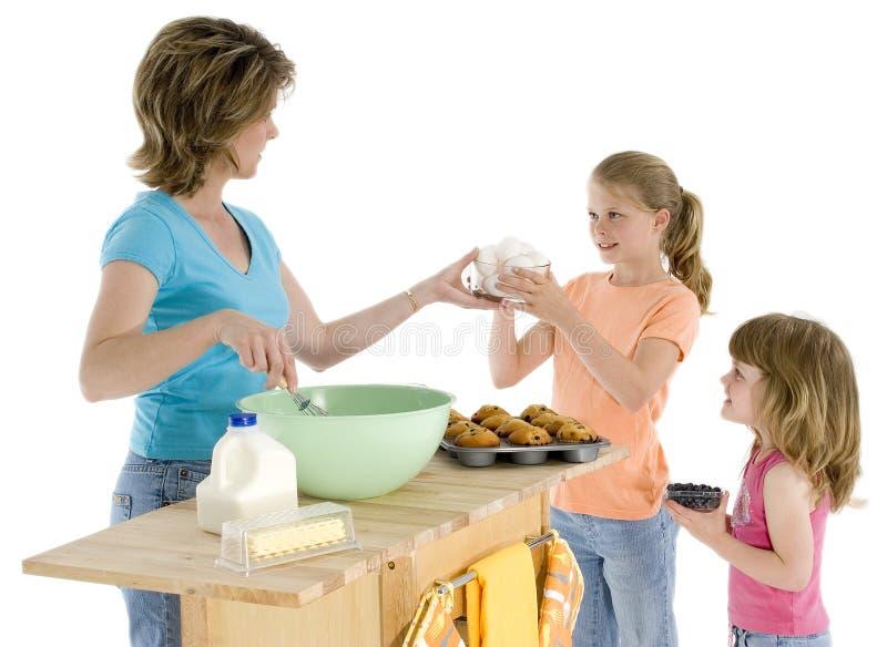 мать дочи выпечки стоковые фото