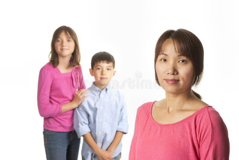 Мать и дети стоковое изображение