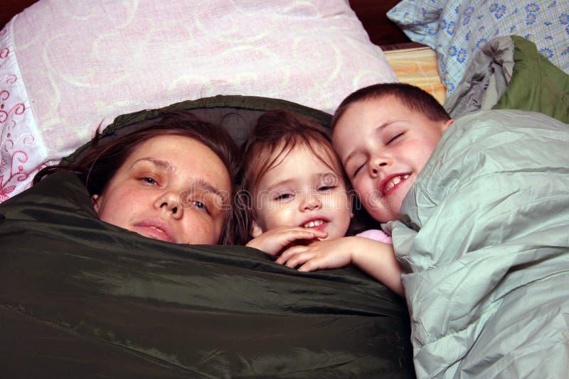 Мать и дети стоковая фотография