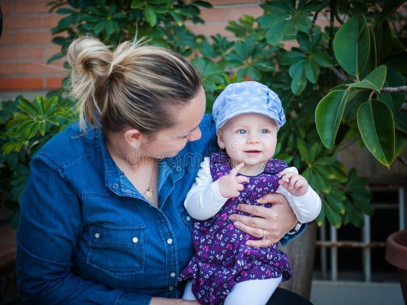 Мать и daughte стоковая фотография