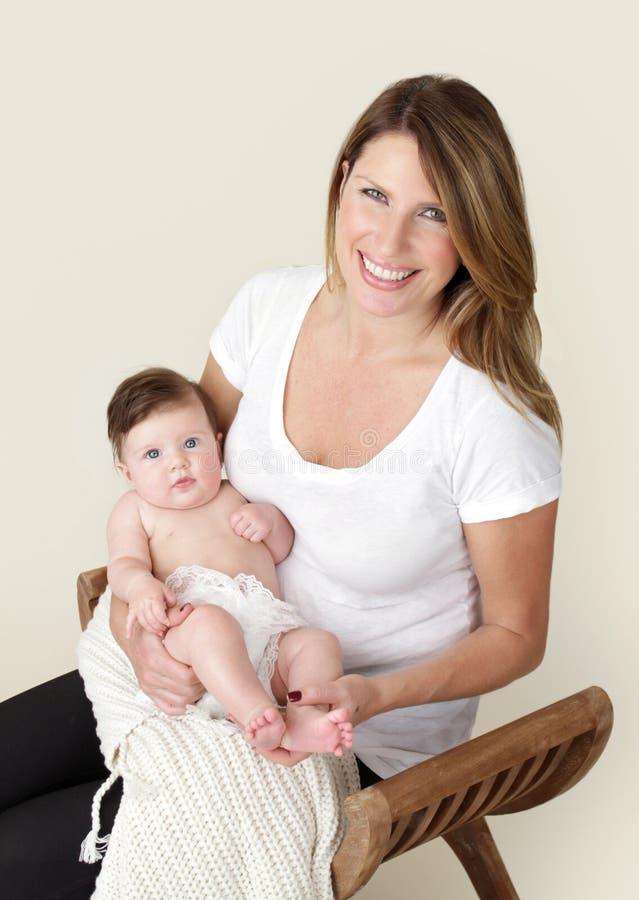 мать младенца newborn стоковая фотография
