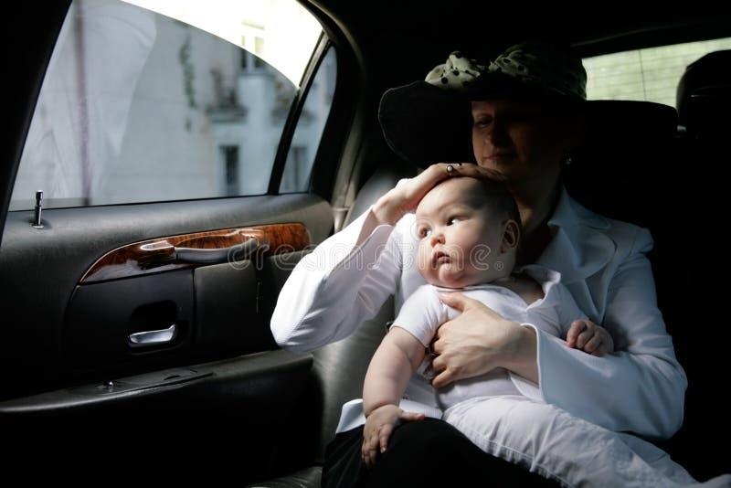 мать ребенка автомобиля стоковые изображения