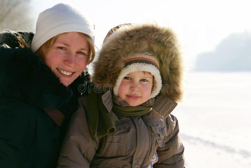 Download мать ребенка стоковое изображение. изображение насчитывающей родитель - 17624997