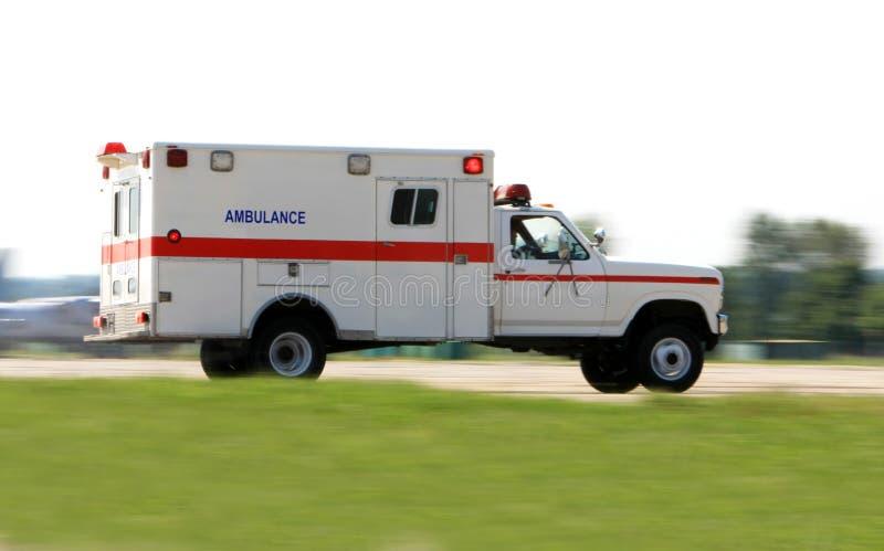 машина скорой помощи управляя быстро стоковые фото