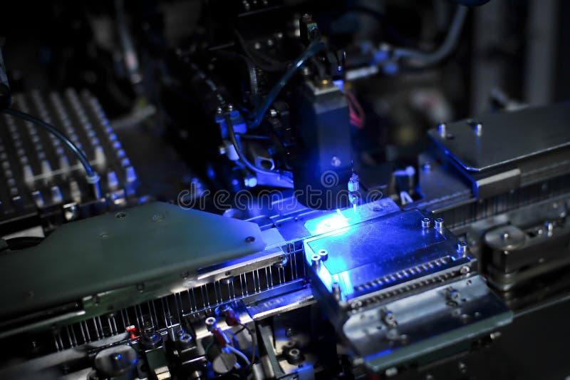 Машина для продукции светоизлучающих диодов стоковые фото