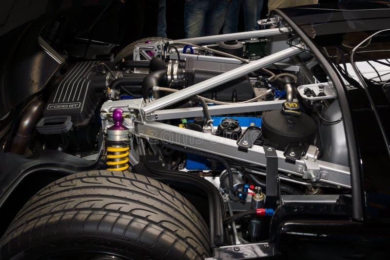 Машинный отсек современного автомобиля спорт Форда GT стоковые изображения rf