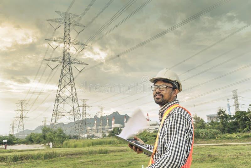 Машиностроительные заводы для генерации электричества стоковое изображение rf