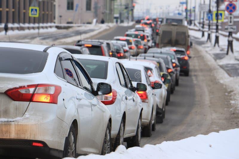Машины в варенье городского транспорта стоковые фотографии rf
