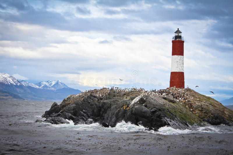 Маяк в море стоковое фото rf