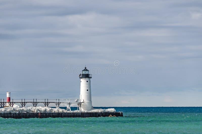 Маяк и маяк в Manistee, Мичигане стоковое фото