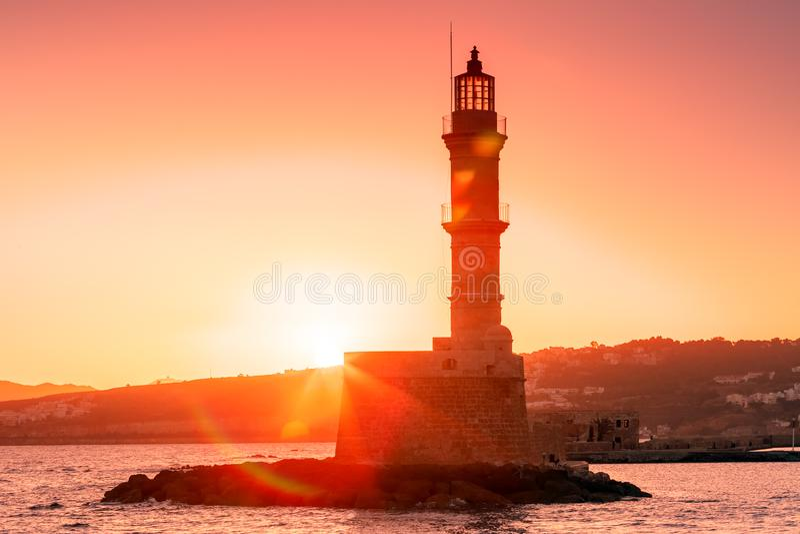 Маяк на восходе солнца, Chania, Крит, Греция стоковое изображение rf