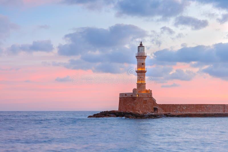 Маяк на заходе солнца, Chania, Крит, Греция стоковая фотография rf