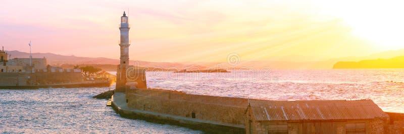 Маяк на заходе солнца, Chania, Крит, Греция стоковая фотография