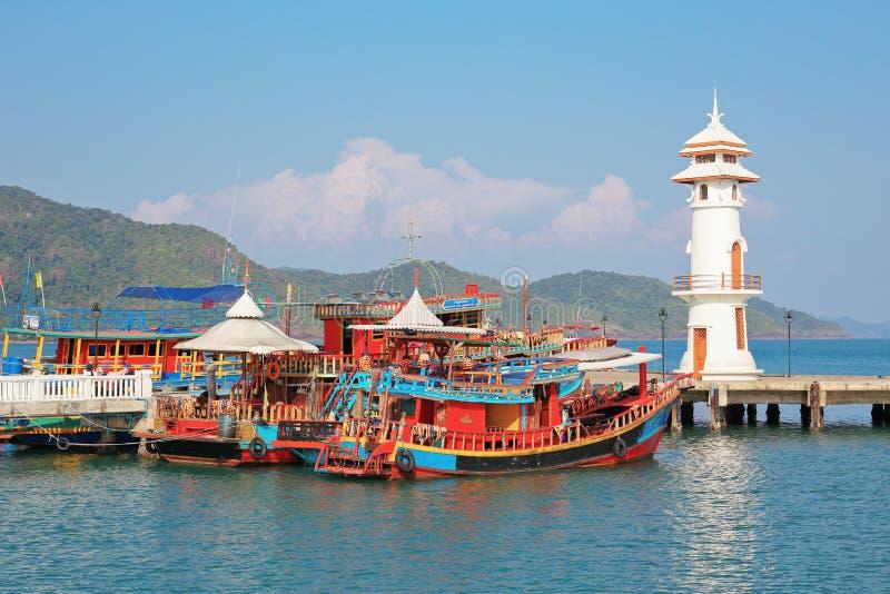Маяк на пристани Bao челки на острове Chang Koh стоковая фотография