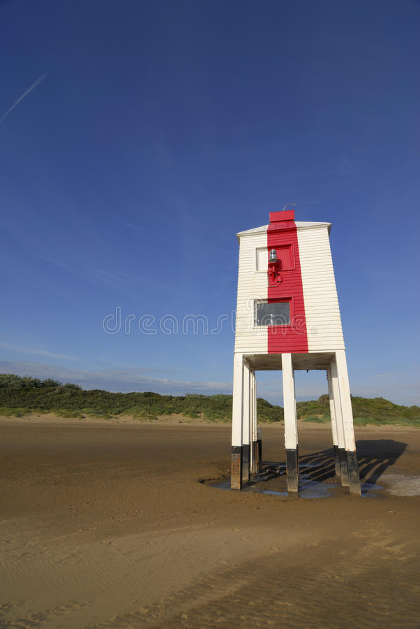 Download маяк стоковое изображение. изображение насчитывающей море - 18396699