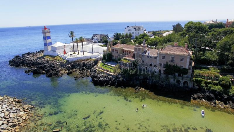 Маяк Santa Marta, Cascais, Португалия стоковые фотографии rf