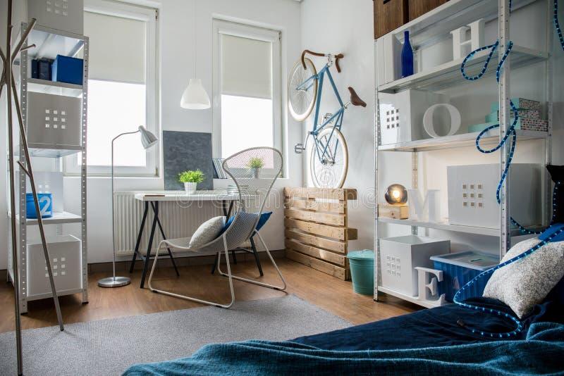 Малая студия в квартире стоковое фото