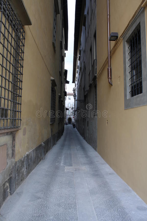 Малая улица в Florenze Италии стоковые фото