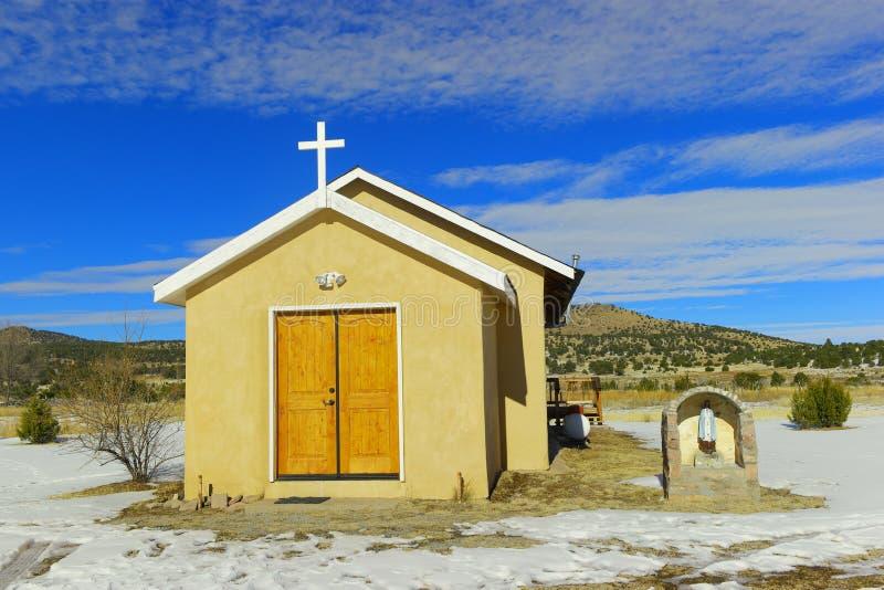Малая церковь в стране стоковое изображение