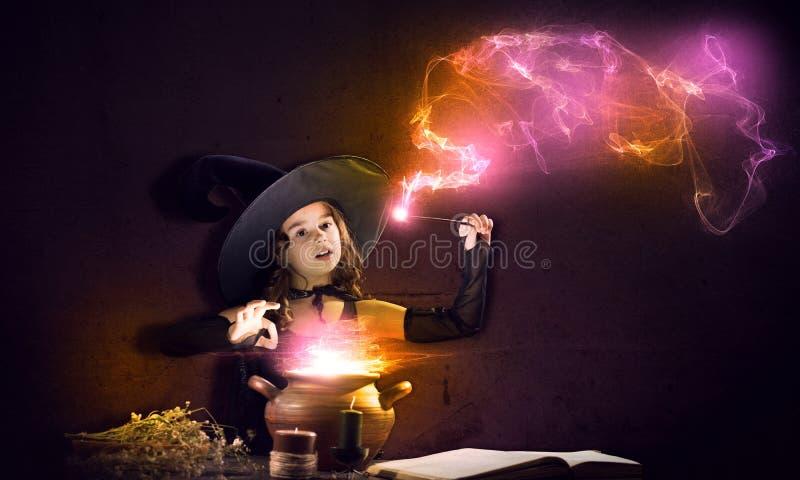 маленькая ведьма стоковая фотография