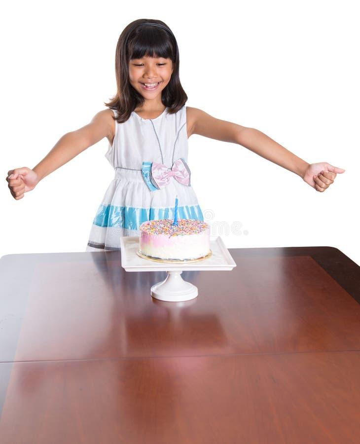 Маленькая девочка празднует день рождения II стоковое изображение