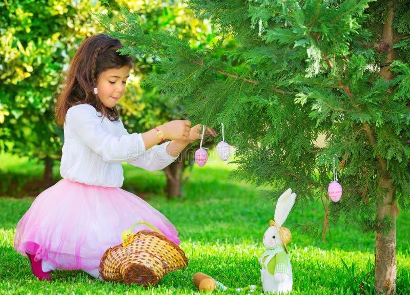 Маленькая девочка Outdoors стоковые изображения