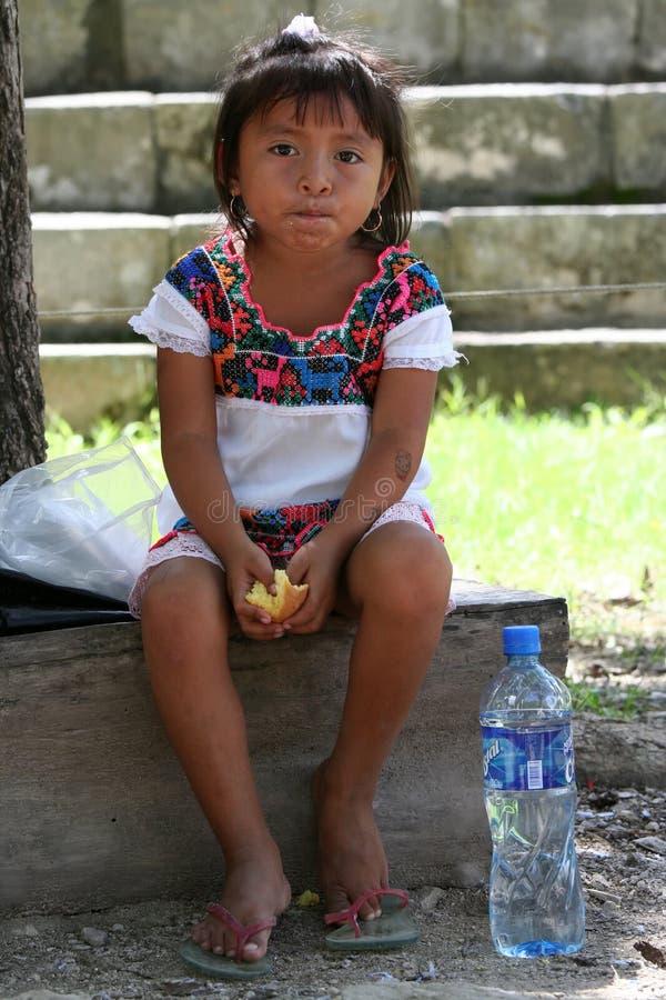 Маленькая мексиканская девушка стоковое изображение
