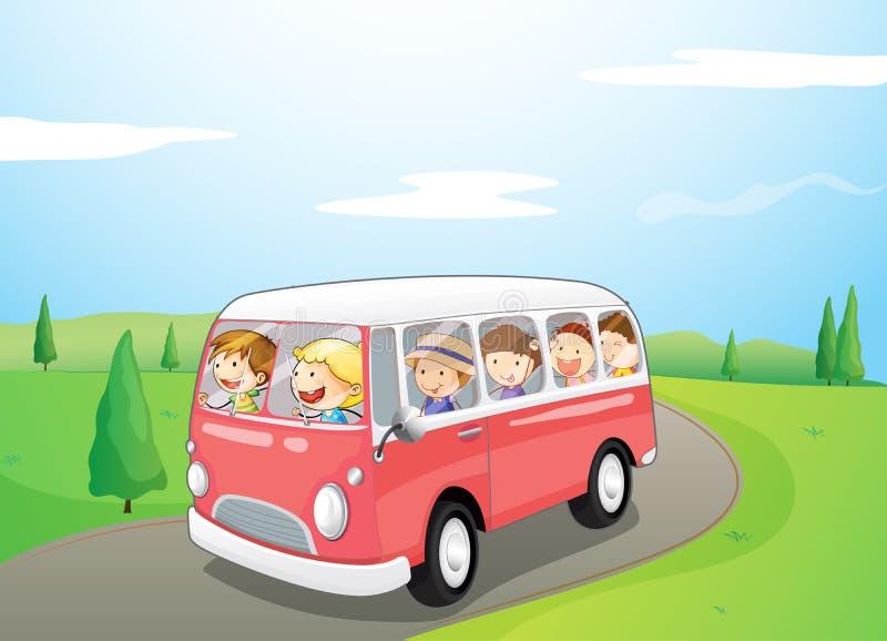 Маленькие дети ехать в шине бесплатная иллюстрация