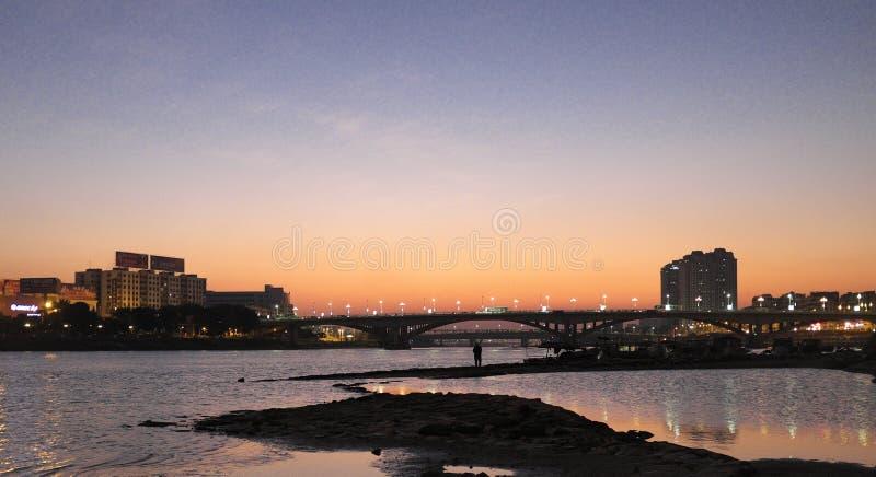 Маленький город в вечере стоковое изображение rf