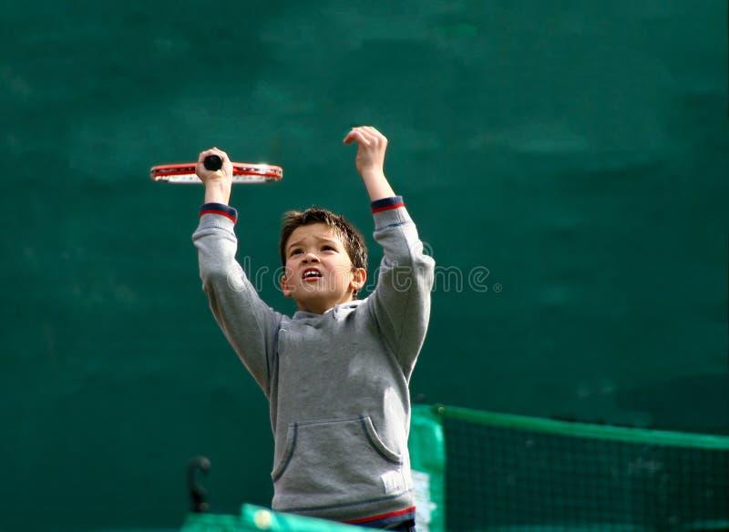 маленький теннис игрока стоковая фотография rf