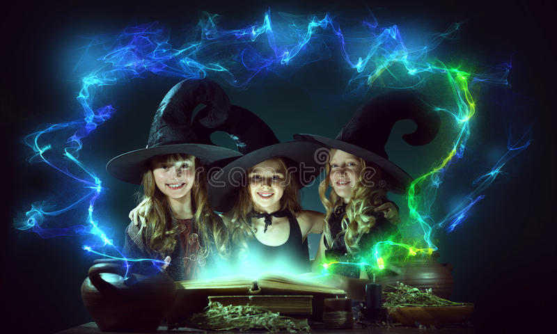3 маленьких ведьмы стоковые фото