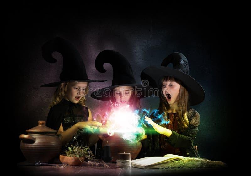 3 маленьких ведьмы стоковые фотографии rf