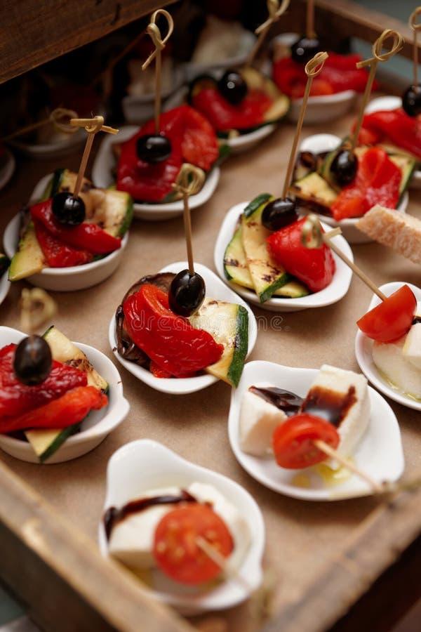 Малые закуски овоща и сыра стоковое изображение rf