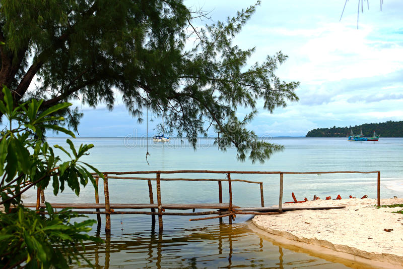 Малый деревянный мост стоковые фото