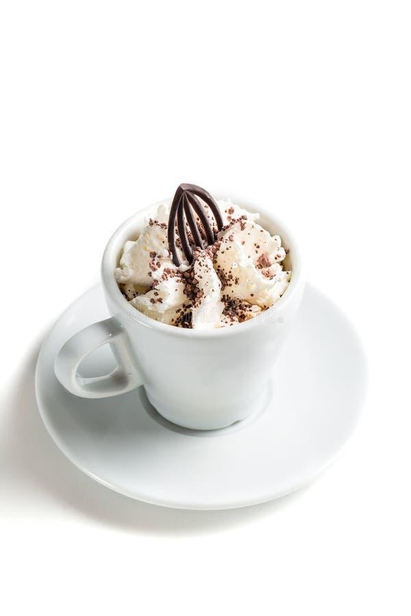 Малый кофе с взбитыми сливк и шоколадом стоковые фото