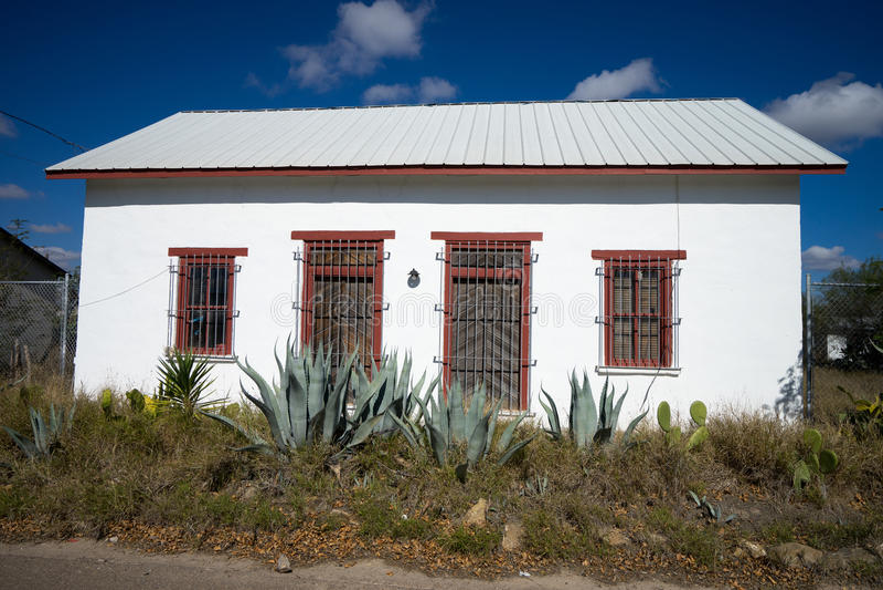 Малый покинутый южный дом в Техасе стоковые фото