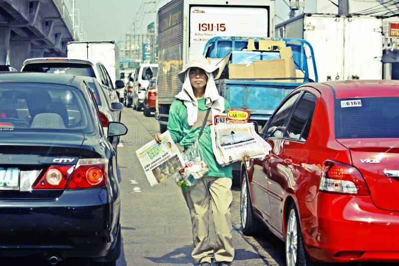 Мальчик газеты Манила Филиппины стоковое изображение rf