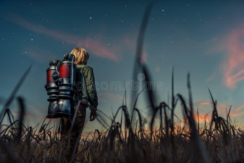 Мальчик на ноче стоковая фотография rf
