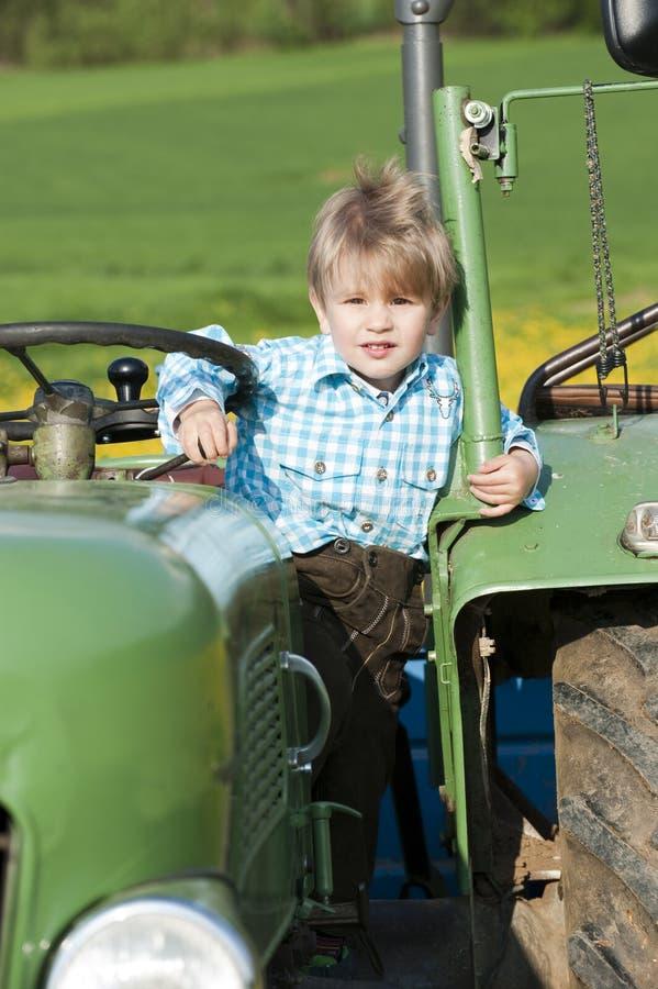 Пацаны на тракторе картинки