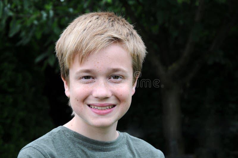 Мальчик подростка стоковое изображение rf