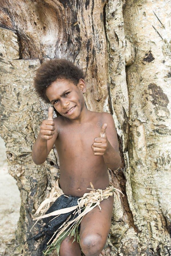 Мальчик - Тихий океан острова стоковые фотографии rf