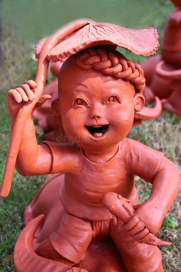 Download Мальчик штукатурки стоковое изображение. изображение насчитывающей украшение - 81813785