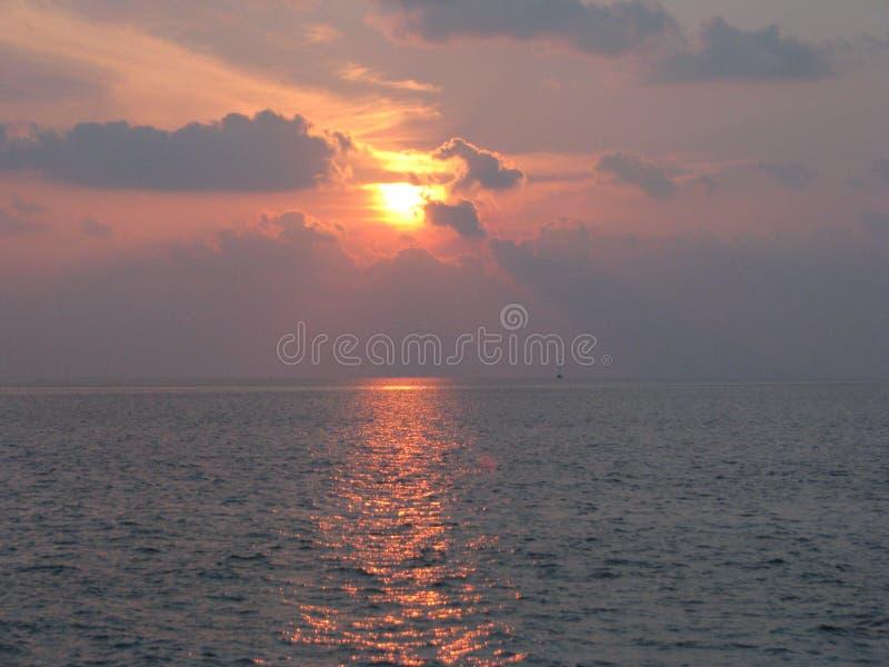 Мальдивские острова Заход солнца стоковые фото