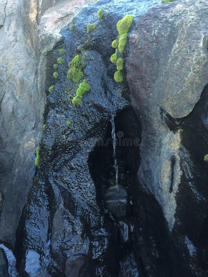 малюсенький водопад стоковые изображения rf
