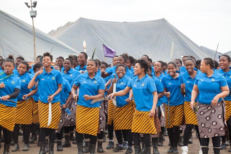 Мбабане, Свазиленд, церемония танца Umhlanga Reed, ежегодный традиционный национальный обряд, одно из торжества 8 дней стоковые фото