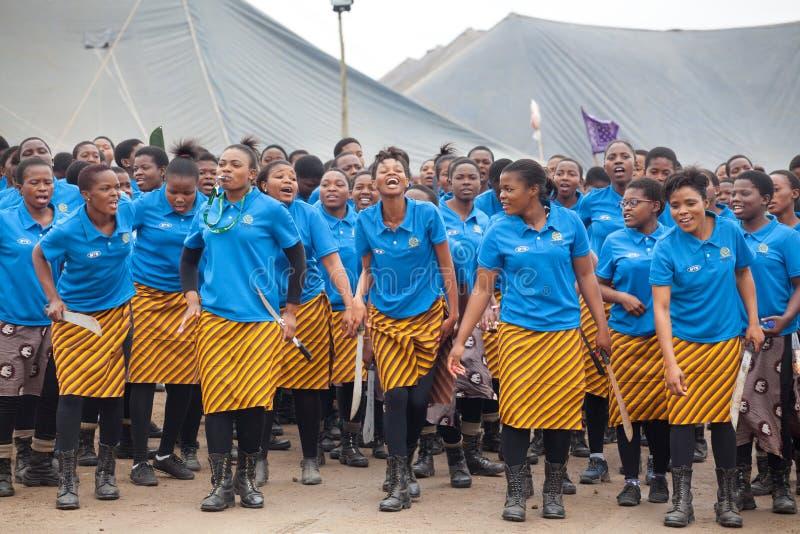 Мбабане, Свазиленд, церемония танца Umhlanga Reed, ежегодный традиционный национальный обряд, одно из торжества 8 дней стоковая фотография